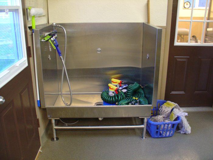 Dog-grooming-tub